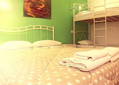 FAMILYROOMS